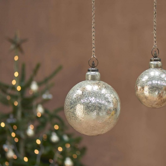 Ometti Giant Round Bauble